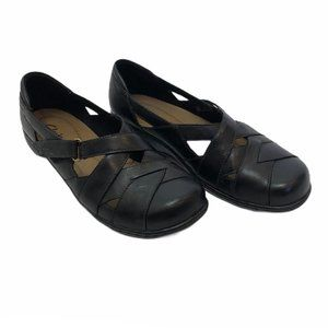 Clarks bendables Black Mary Janes, 9W